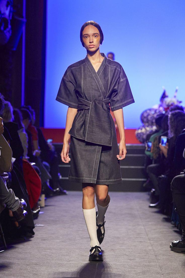 Kenzo La Collection Memento Spring 2018 Ready-to-Wear  Fashion Show - Nandy Nicodeme