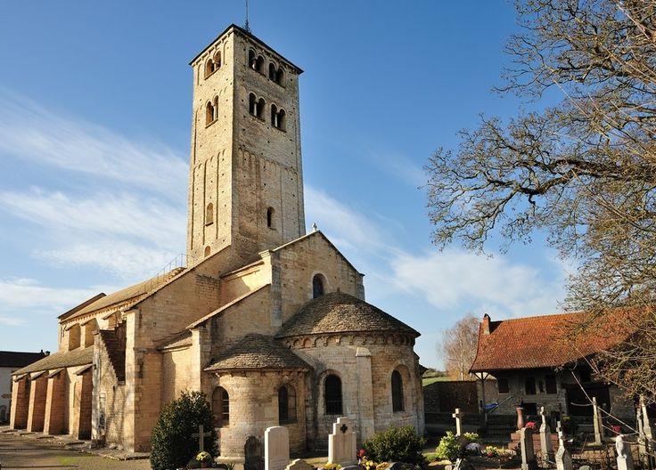 93 best tour v zelay bourgogne france images on for Architecture romane