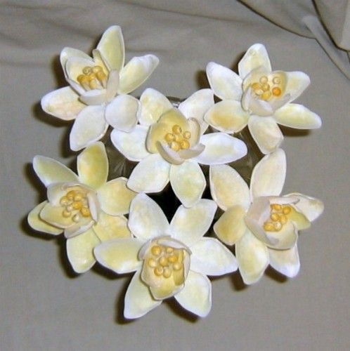 1000 ideas about shell flowers on pinterest pistachio for Seashell ornaments craft