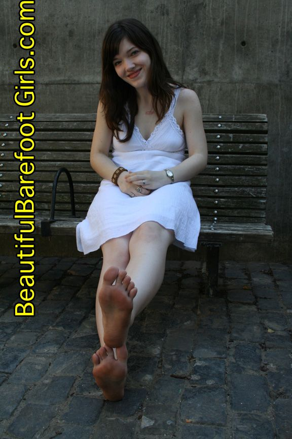 303 Best Smooth Soles Images On Pinterest  Smooth, Barefoot Girls And Barefoot-8491