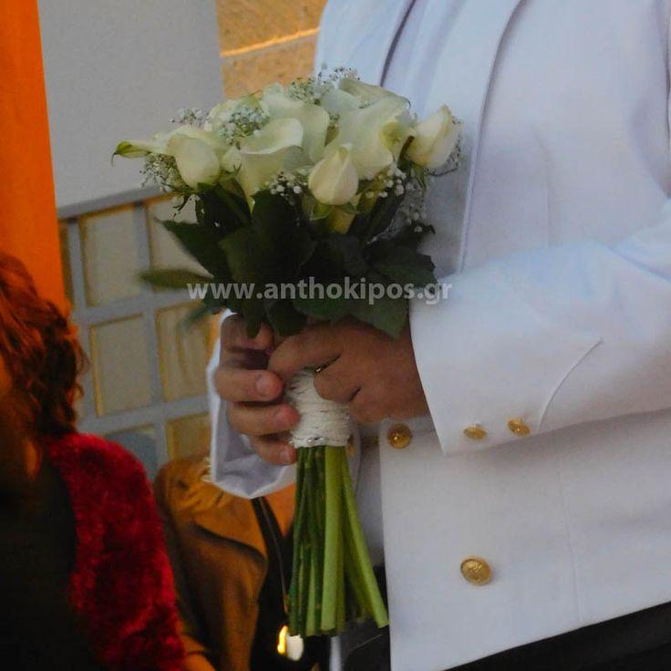 Μπουκέτο Γάμου με λευκές κάλλες και τριαντάφυλλα