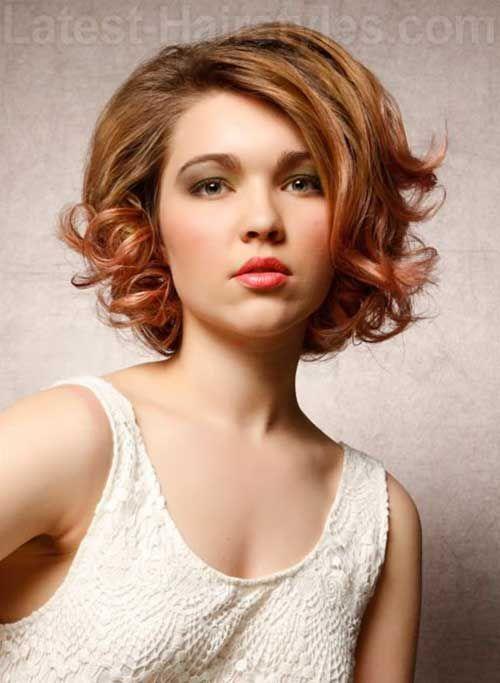 corto y rizado pelo para caras redondas