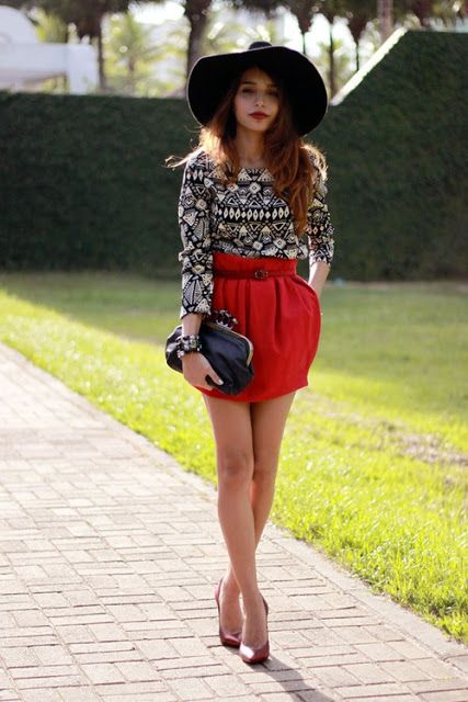 Red balloon skirt with printed top and beautiful hat
