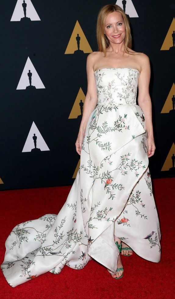 Leslie Mann in Monique Lhuillier attends the Academy of Motion Picture Arts and Sciences' 8th annual Governors Awards. #bestdressed