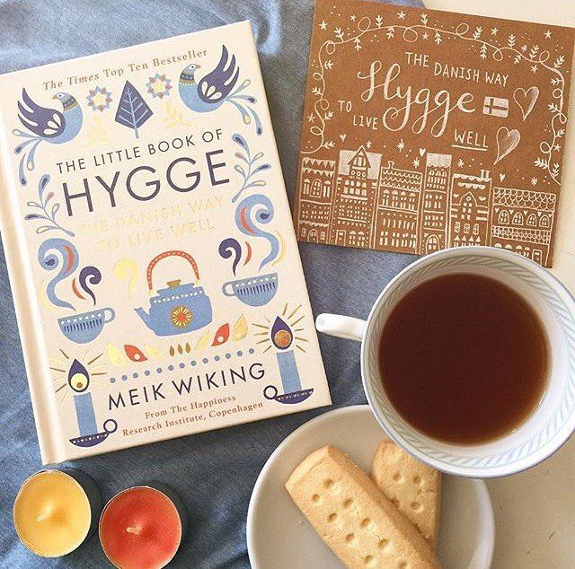 "44 Synes godt om, 3 kommentarer – The Little Book Of Hygge (@thelittlebookofhygge) på Instagram: ""How will you hygge today? We think this hygge lover has the right idea! - #thelittlebookofhygge…"""
