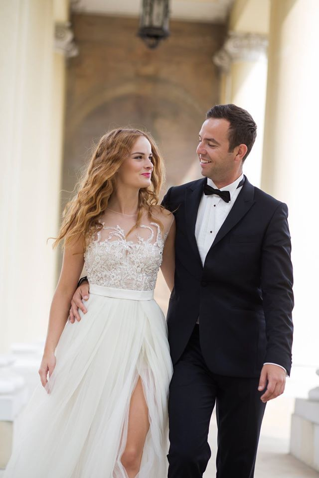 Ania, delicate wedding gown