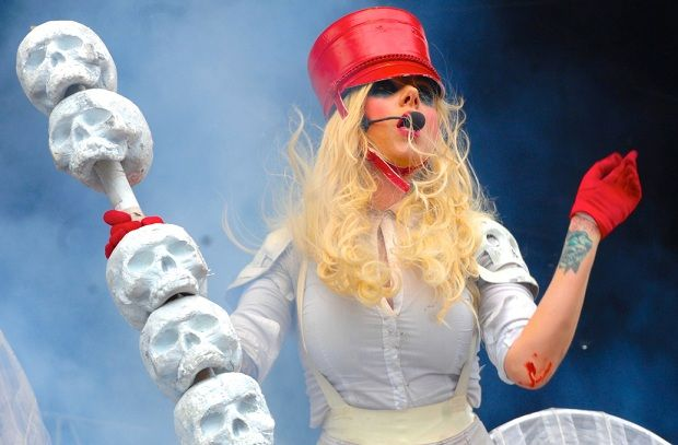In This Moment выпустили новую песню «Bloody Creature Poster Girl» http://muzgazeta.com/rock/201443106/in-this-moment-vypustili-novuyu-pesnyu-bloody-creature-poster-girl.html