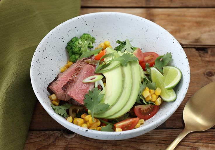 Mexican bowl with beef and jalapeno salsa | Total Wellbeing Diet
