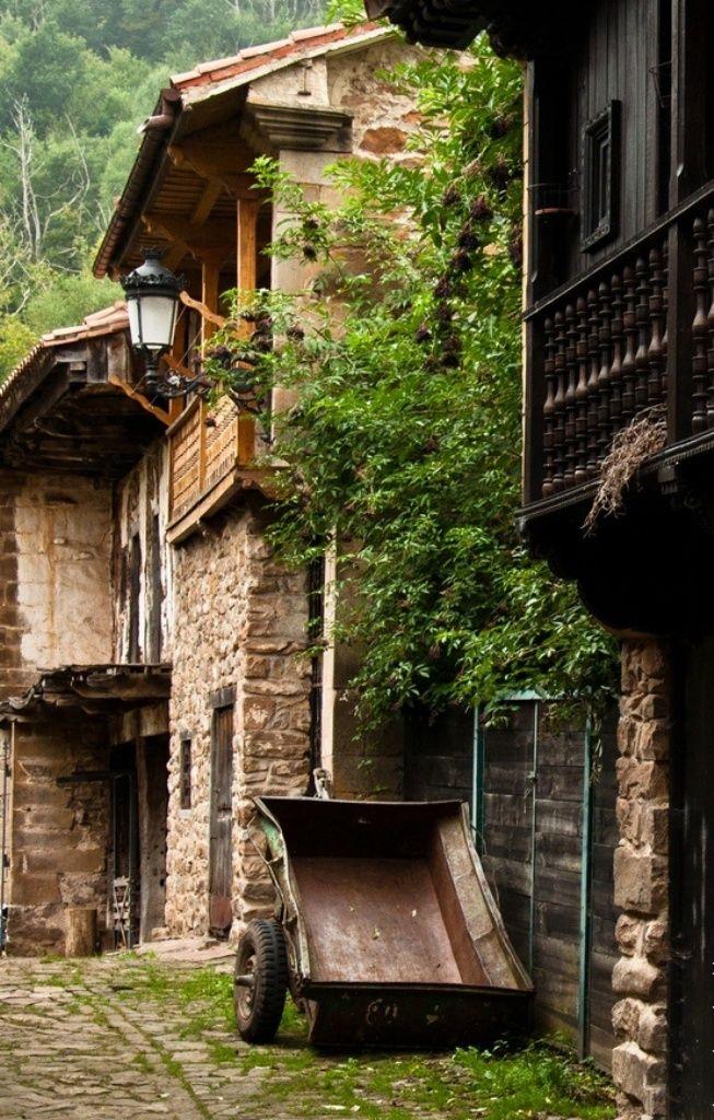 Bárcena Mayor #Cantabria - Spain