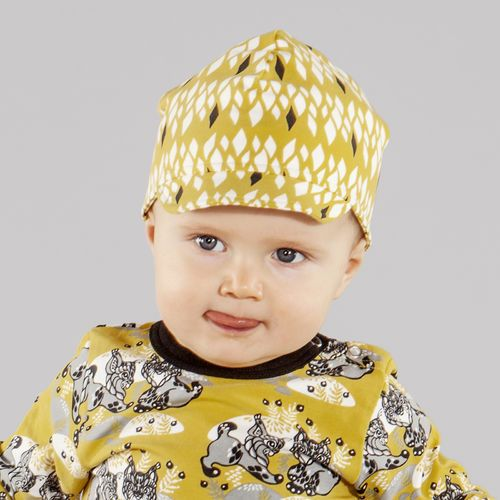Yellow SALMIAKKI Baby Cap http://en.nosh.fi/product/1316/salmiakki-baby-cap-yellow and ILVES Bodysuit http://en.nosh.fi/product/1279/ilves-bodysuit-yellow Prints designed by Annika Hiltunen