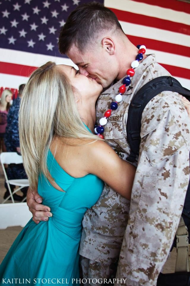 Military love pictures