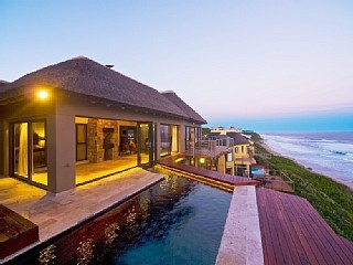 Wilderness Spectacular African-styled on-beach 4 bed house