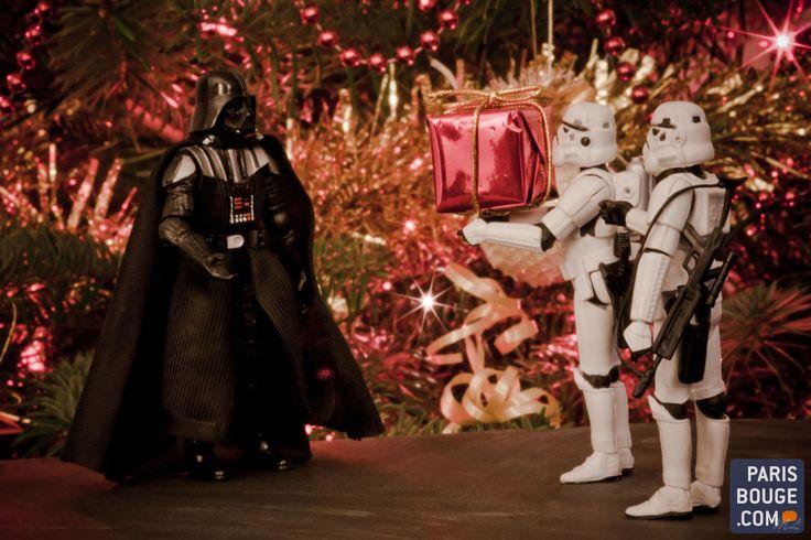 Noël, c'est toujours la même galère : on s'y prend au dernier moment pour les cadeaux en dépit des résolutions post Nouvel An, que l'on s'était pourtant promis de tenir. Et puis, c'est toujours la même question. On offre quoi à qui ? Voici une liste de 10 idées cadeaux de dernière minute à trouver à Paris pour les retardataires de Noël.