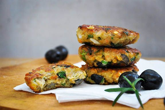Lentil Patties with Olives and Herbs bite (loved this with jalapenos, roasted red peppers and olives)