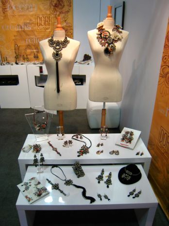Jewelry booth at a trade show cc displays pinterest for Jewelry display trade show