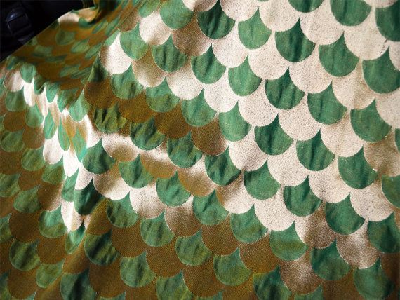 Silk Brocade Fabric in Green, Yellow and Gold in Scallop Pattern,Twin Shades Silk Brocade Fabric, Indian Silk, Banarasi silk