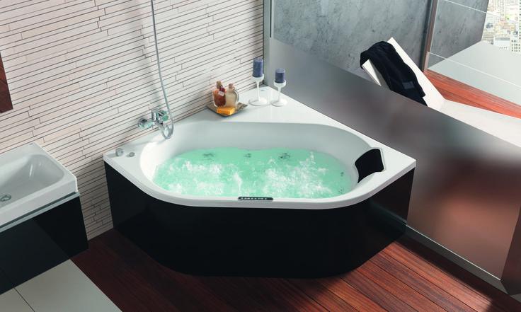 Un nuevo concepto integral de bañera que proporciona una experiencia de baño irrepetible. Gracias a sus grandes dimensiones, la bañera Flex Center es ideal para que dos personas compartan el baño.  Elegancia y confort unidos para el disfrute de los sendidos.