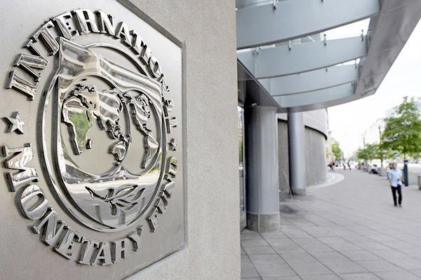 Le FMI recommande à l'Algérie de recourir à la dette extérieure DE QUOI IL SE MELE CES VOLEUR LA  BANQUE MONDIALE DETRUIT LES PAYS  QUI EMERGES MAIS NE LES AIDES PAS ALORS DEGAGE
