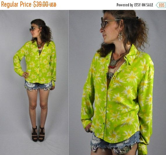 SALE Floral Psychedelic Colorful Daisy Blouse by ItaLaVintage