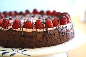 cheesecake brownie med hindbærskum ELSKER den kage❤️