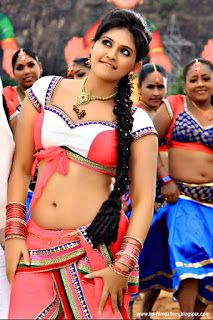 http://hd-filmgallery.blogspot.in/2015/08/latest-hd-photo-gallery-of-tapsee-tamil.html