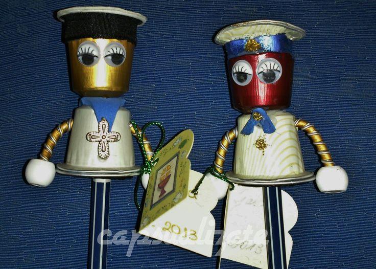 Pablo el marinerito, como su traje de comunión. y su hermano mayor el Admirante Jaime.