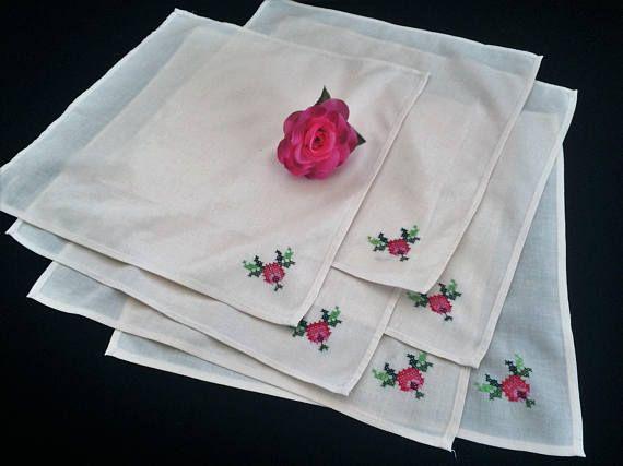 Linen Napkins. Embroidered Napkins. Vintage Set of 6 Cross
