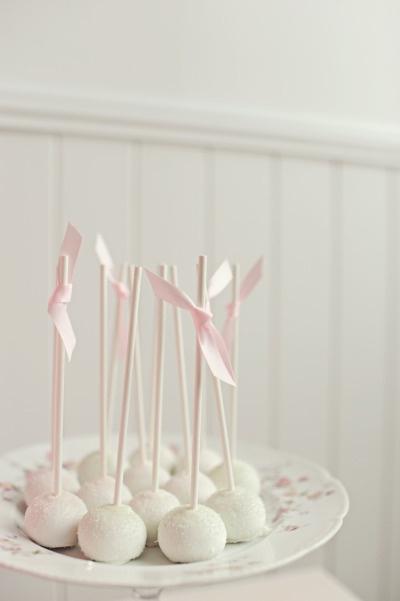 pretty white cake pops