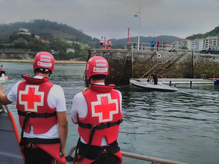 #fotografia #submarina #lekeitio #bizkaia #cruzroja #burgos #mirandadeebro #leaartibai #PreventivosCruzRoja #bizkaia #paisvasco #euskadi #bacro #socorristas #ambulancia #cantabrico #foto #felizsabado
