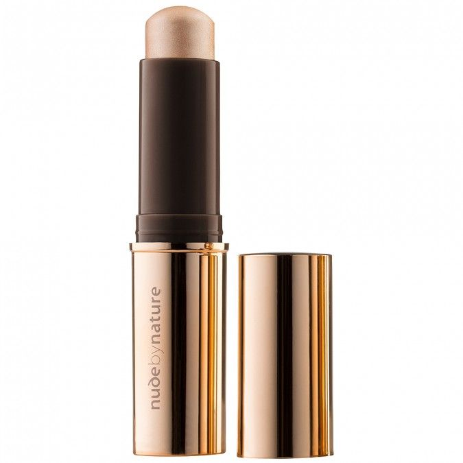Hints of light to enhance the complexion.
