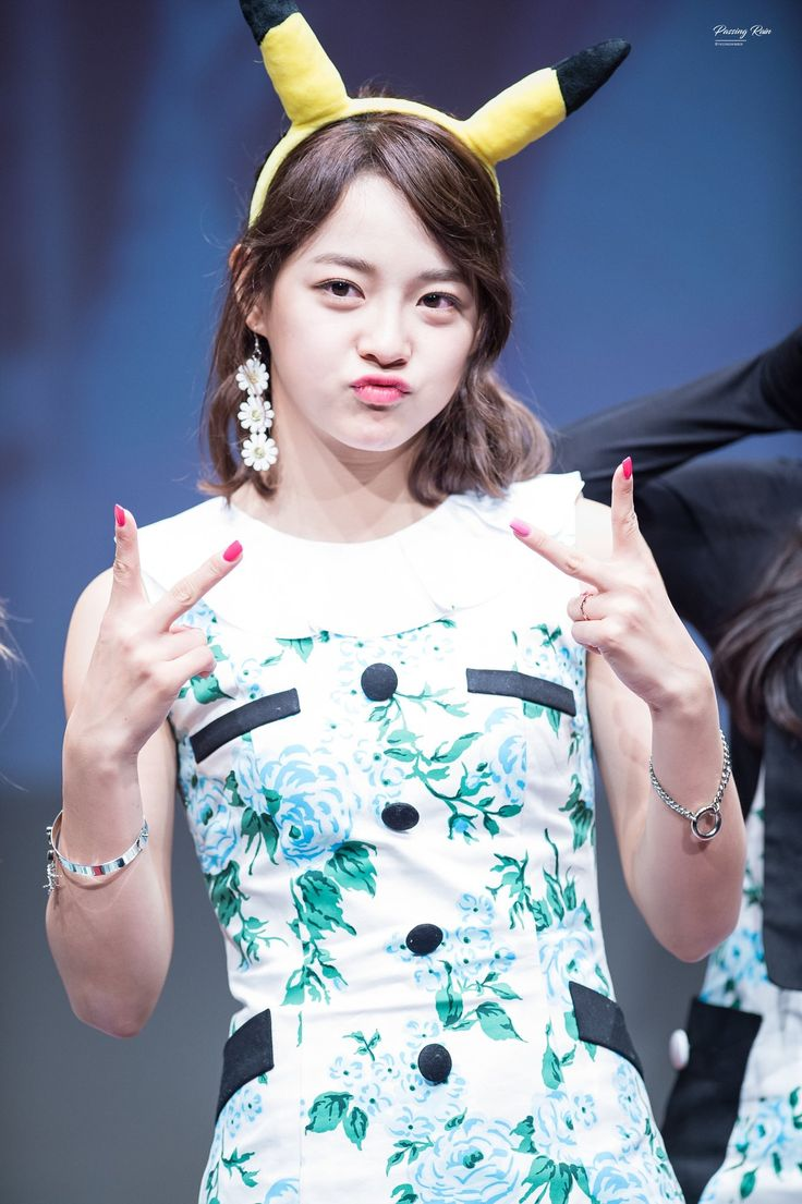 170309 - Kim Sejeong @ Sinchon Fansign Event (cr.PassingRain0828) | Twitter