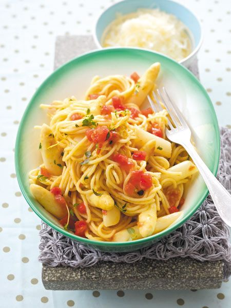 Spargel mit Spaghetti