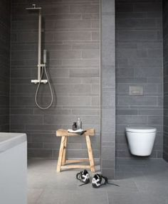 Meer dan 1000 idee n over stenen badkamer op pinterest badkamer en stenen bad - En grijze bad leisteen ...