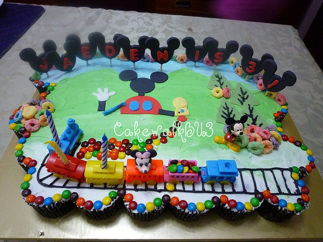Mickey Mouse Clubhouse Cupcake Cake Pull Apart Cakes