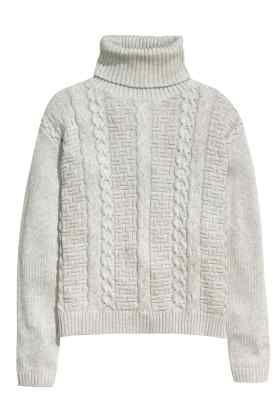 Pulover tricotat cu motive