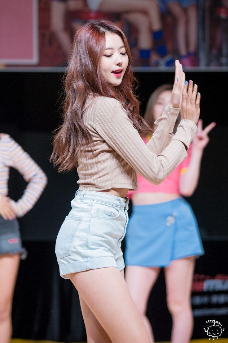 "PLEDIS GIRLZ - Im NaYoung 임나영 Gundae fansign 161023 #플레디스걸즈 대표 팬카페 ""WE"" 건대 팬싸인회 #나영"
