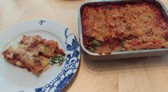 Veganized recept: cannelloni met spinazie en ricotta Geschreven door Cecile Bol voor Eigenwijs Blij.  Het was het eerste recept dat ik ooit via Eigenwijs Blij verspreidde en daarom de perfecte kandidaat voor het eerste recept in deze nieuwe serie recepten: cannelloni met spinazie en ricotta maar dan helemaal plantaardig. Moeilijk is het niet. Een echte Italiaanse klassieker maar dan nu lekker veganistisch.  Lees verder: http://ift.tt/2i1s8Rc