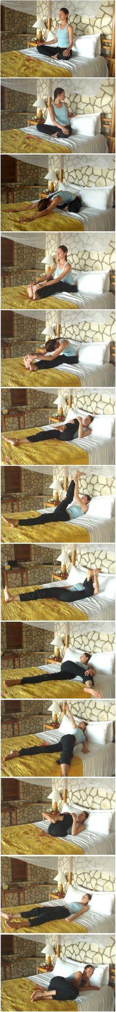 Traductor google-Tiempo de la cama (o en cualquier momento) estiramientos de yoga. Libera la tensión en la espalda baja, alargando la columna lumbar. Intentado esto esta noche. No recuerdo la última vez que estuve tan relajado. Se siente tan bien para liberar la tensión después de un largo día.