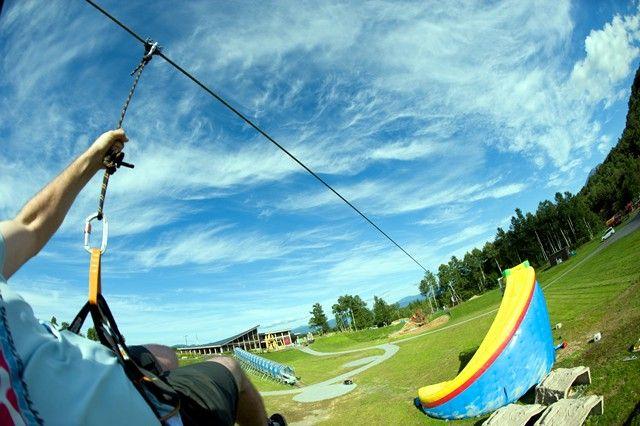 Zip line Family Activities | Green Season | Niseko HANAZONO Resort