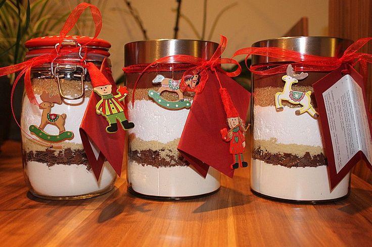 Brownie-Backmischung als Geschenk, ein beliebtes Rezept aus der Kategorie Grundrezepte. Bewertungen: 42. Durchschnitt: Ø 4,6.