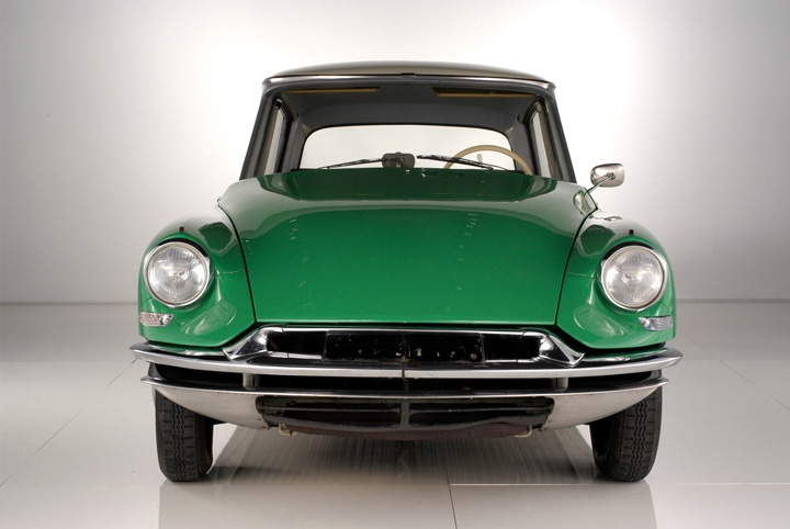 Citroen DS: Citroën Ds, Unique Colour, Amazing Cars, Proper Cars, Cars, Citroen Ds, Posts, Cars Citroen, Ds Citroend