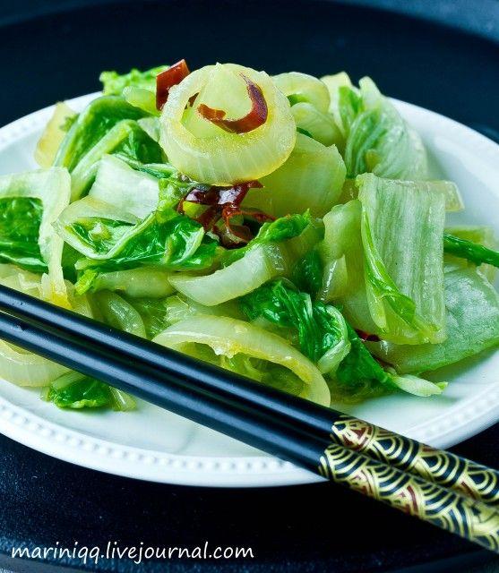 mariniqq - Курица с черным перцем и паприкой. Салат из китайской капусты.