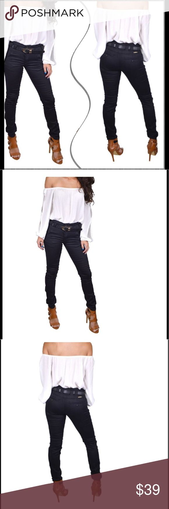 🆕Three button high waisted jeans Revamp your formal day look by wearing these Three Button High Waist Jeans. These pants have an exquisite appeal. Made of premium-grade cotton, polyester and spandex make them durable and comfortable to wear all day long. The black color of these pants looks classy and elegant. They have a pencil fit and side pockets. Complete the look by teaming these pants with the Tunic top I have in my closet and high heel pumps ✅I ship same or next day ✅Bundle for…