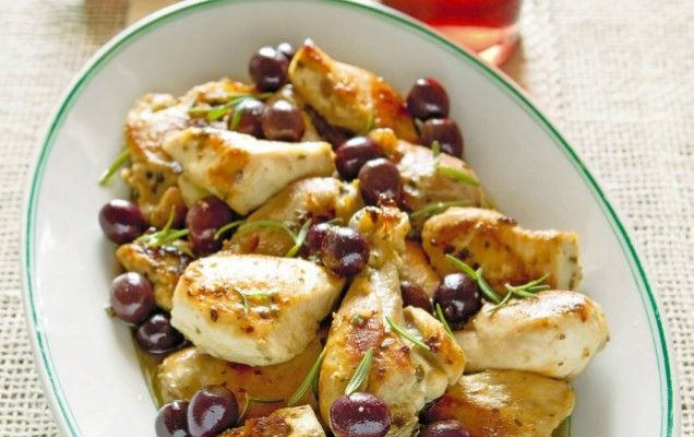 Κοτόπουλο με ελιές και κρασί - iCookGreek