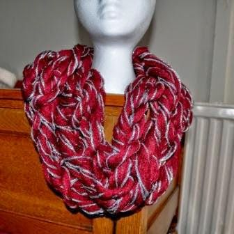 #ArmKnitting: Free arm #knitting Pattern for a Braided Infinity scarf - make this in 20 minutes - go on you know you want to.