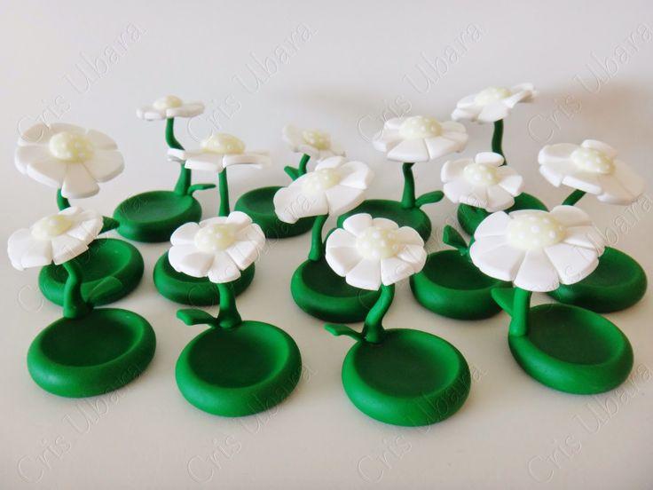 Ateliê Mãos à Arte - Doces Encantos: Porta docinho flor suspensa (biscuit)