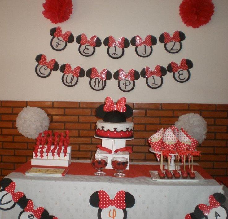 La ambientación completa   Cumpeaños Minnie Mouse by Dulcinea de la fuente www.facebook.com/dulcinea.delafuente.5  https://www.facebook.com/media/set/?set=a.117305701748719.33441.100004078680330&type=1&l=b380a10ba8  #fiesta #golosinas  #cumpleaños #mesadulce #festejo #fuentedechocolate #agasajo#mesa dulce #candybar #sweet table  #tamatización #souvenir #minnie