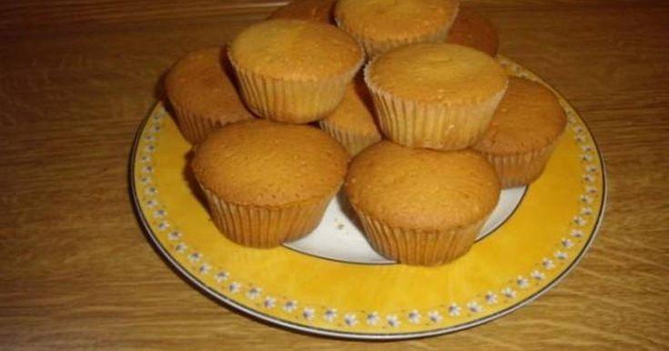Εξαιρετική συνταγή για Βανίλια Cupcakes. Πολύ νόστιμα και αφράτα cupcakes!!!