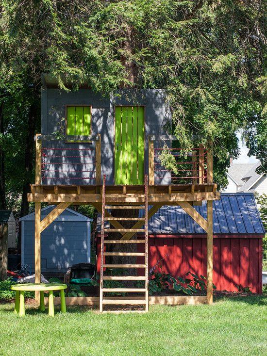 traumhaus für kinder-bauen Holztür-bunt streichen-ideen