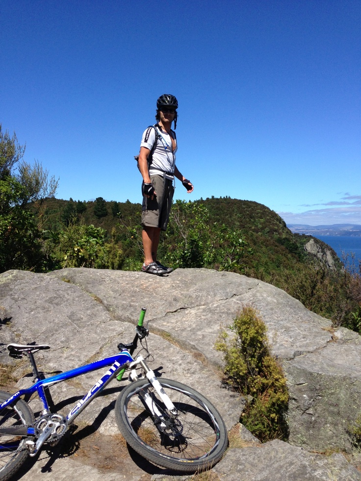 Thought Matt was going to jump cos Dan was just too slow climbing out of Kinloch on the W2K trail outside of Taupo